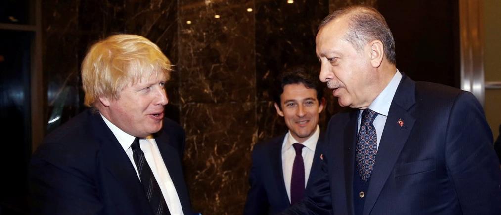 Λονδίνο και Άγκυρα υπογράφουν συμφωνία ελεύθερου εμπορίου