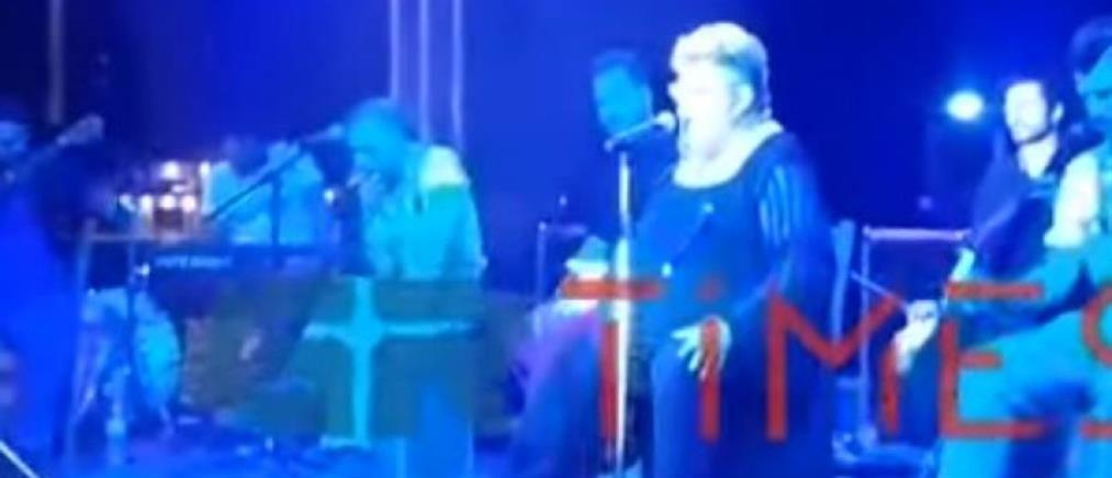 """Ο Κραουνάκης """"έκραξε"""" μητέρα που ήταν σε συναυλία του (βίντεο)"""
