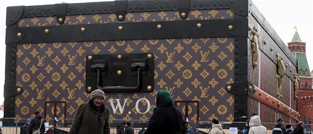 Μόσχα: Πού θα πάει η βαλίτσα;
