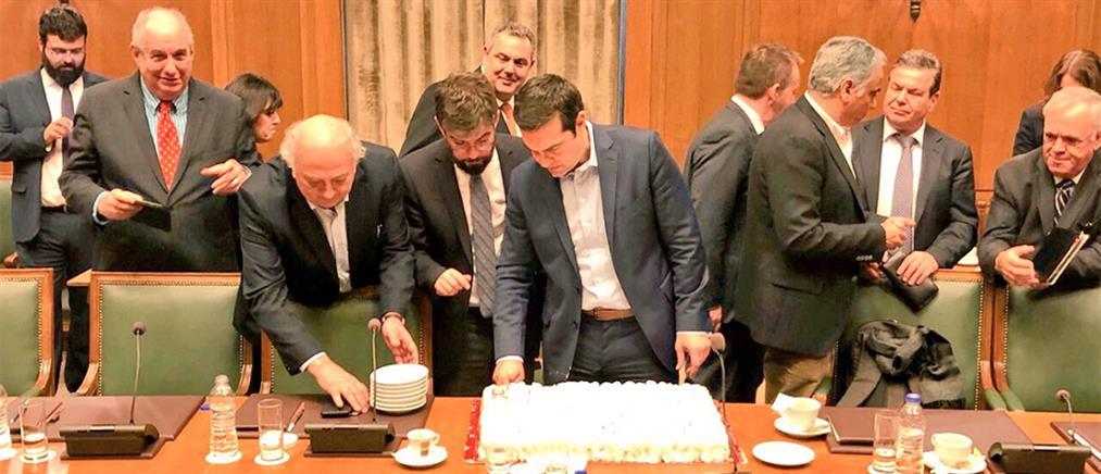 Έκοψαν βασιλόπιτα στο Υπουργικό Συμβούλιο (φωτο)
