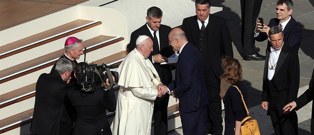 Ο Νίκος Δένδιας συναντήθηκε με τον Πάπα Φραγκίσκο (εικόνες)