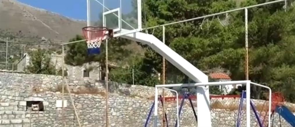 Μαρτυρία στον ΑΝΤ1 για τον τραυματισμό 10χρονου από σιδερένιο δοκάρι σε γήπεδο (βίντεο)