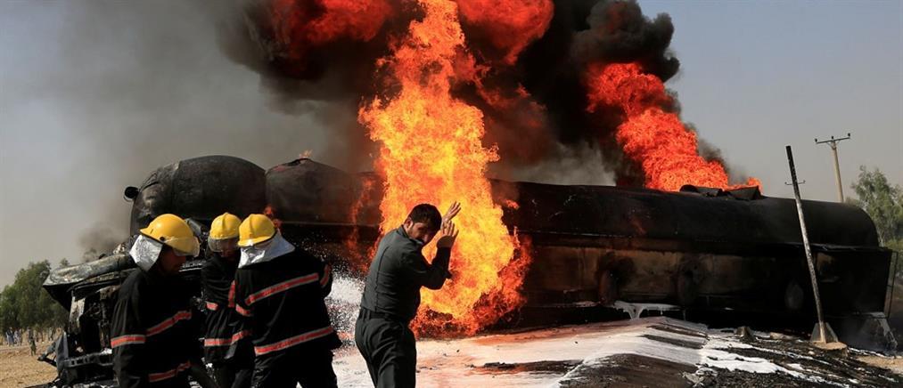 """Αφγανιστάν: καμικάζι """"σκόρπισε"""" τον θάνατο σε στάδιο"""