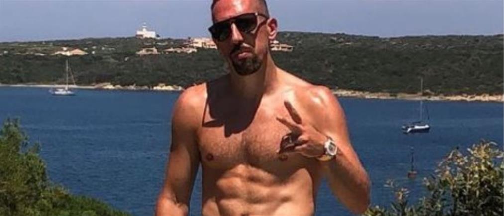 Οι διακοπές Ριμπερί στην Ελλάδα και η προπόνηση με... Παντελίδη (βίντεο)