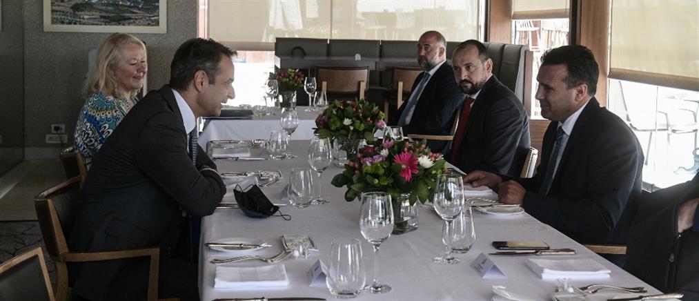 """""""Καυγάς"""" ΝΔ - ΣΥΡΙΖΑ μετά τις δηλώσεις Ζάεφ"""