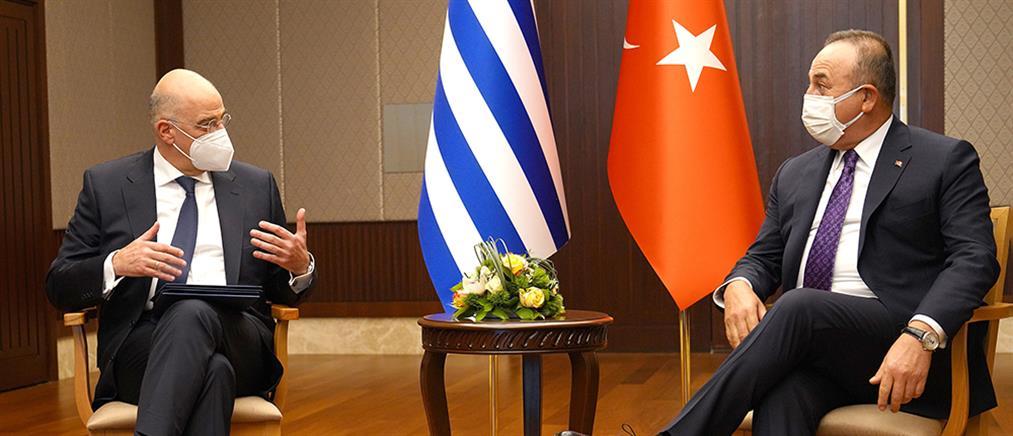 """Δένδιας – Τσαβούσογλου: Οι πρώτες αντιδράσεις της Τουρκίας στο διπλωματικό """"μπρα ντε φερ"""""""