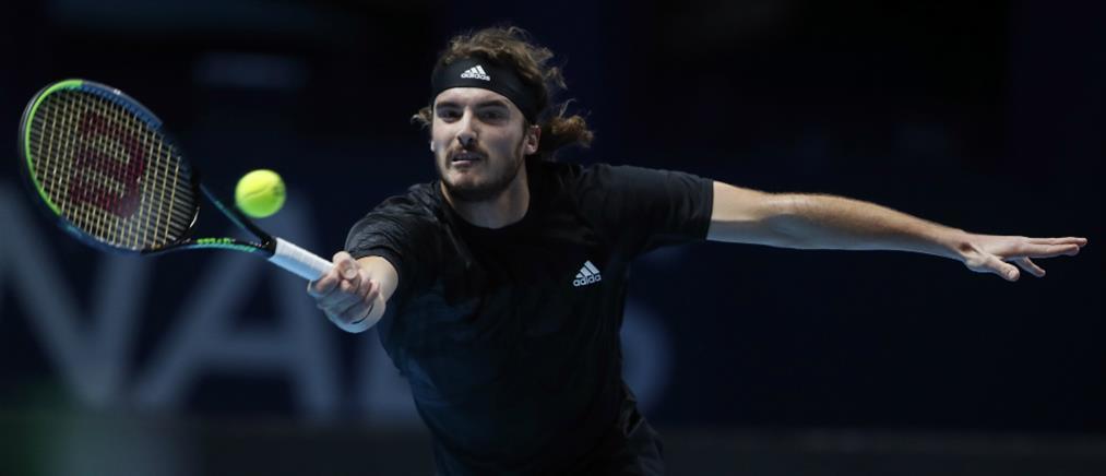"""ATP Finals - Τσιτσιπάς: Νικητής στη """"μάχη"""" με τον Ρούμπλεφ"""
