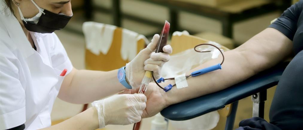 Πλεύρης – αιμοδοσία από ομοφυλόφιλους: επανεξέταση του εντύπου του ΕΚΕΑ