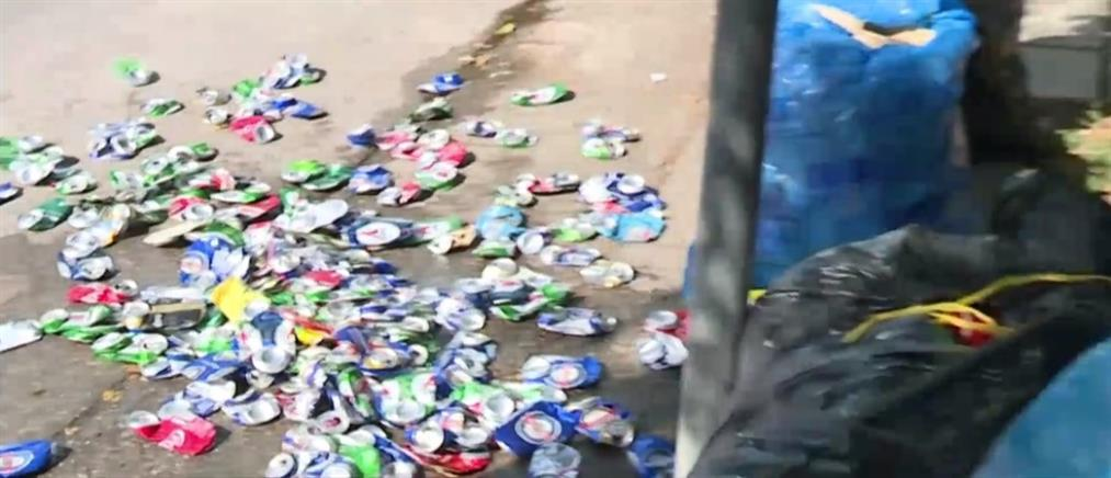 """Κορονοϊός: """"Έκρηξη"""" των κρουσμάτων σε νέους (βίντεο)"""