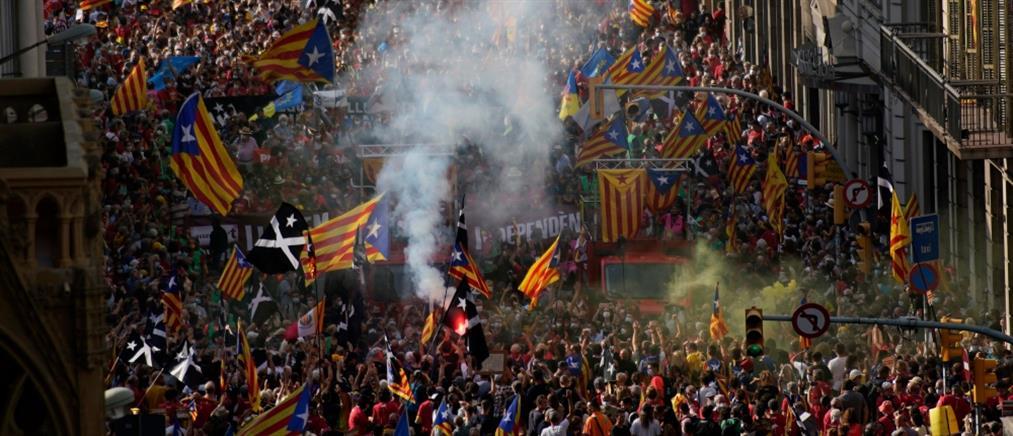 Βαρκελώνη: Διαδήλωση υπέρ της ανεξαρτησίας της Καταλονίας