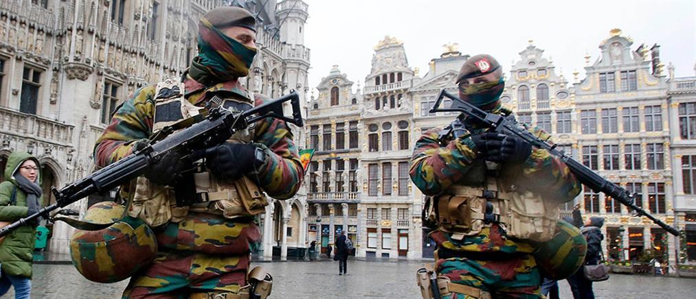 Βρυξέλλες: Όργια με αστυνομικίνες και στρατιωτικούς την περίοδο της τρομο-υστερίας