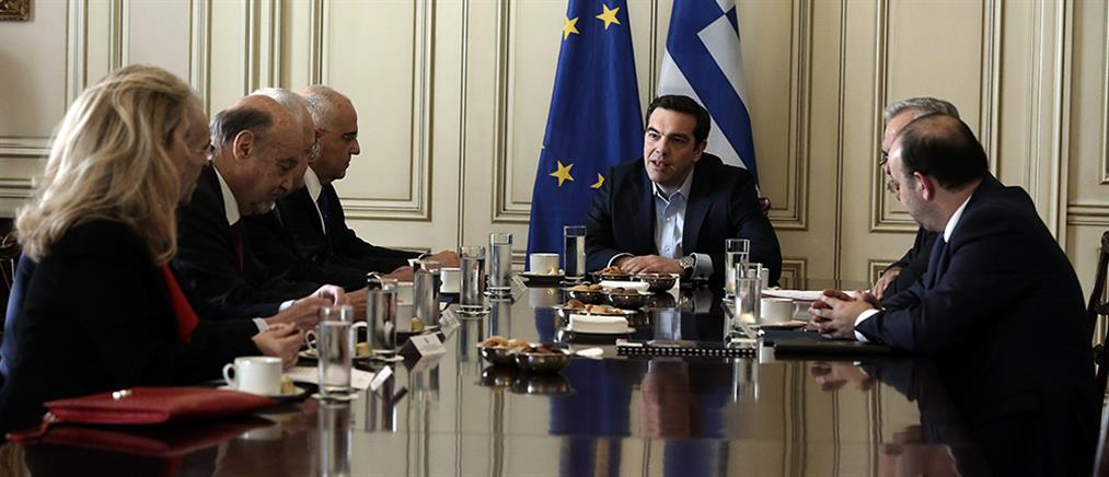 """Ρευστότητα και """"κόκκινα"""" δάνεια στην συνάντηση Τσίπρα - ΕΕΤ"""