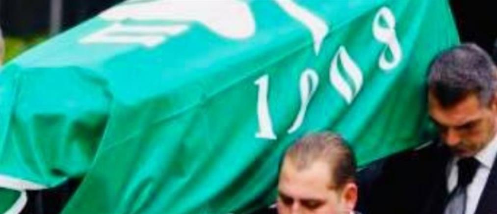 Με σημαία του Παναθηναϊκού η σορός του Θανάση Γιαννακόπουλου (εικόνες)