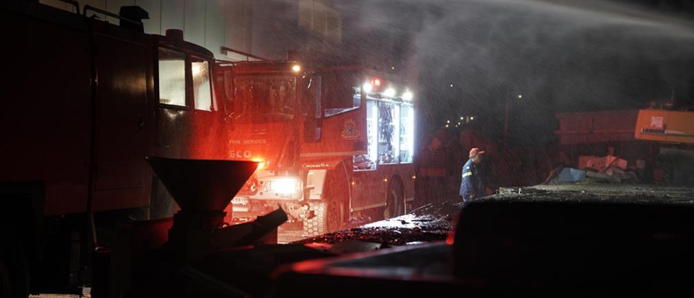Φωτιά σε επιχείρηση ανακύκλωσης στη Νάξο (εικόνες)