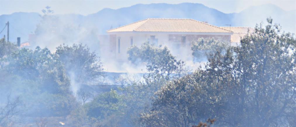 Αίγινα: Απειλήθηκαν σπίτια από τη φωτιά