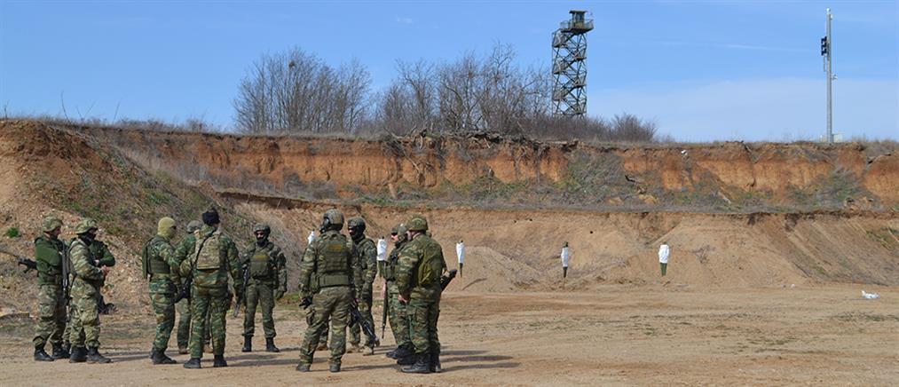 Εικόνες από τις βολές που έκαναν Δ' Σώμα Στρατού και ΑΣΔΕΝ (βίντεο)