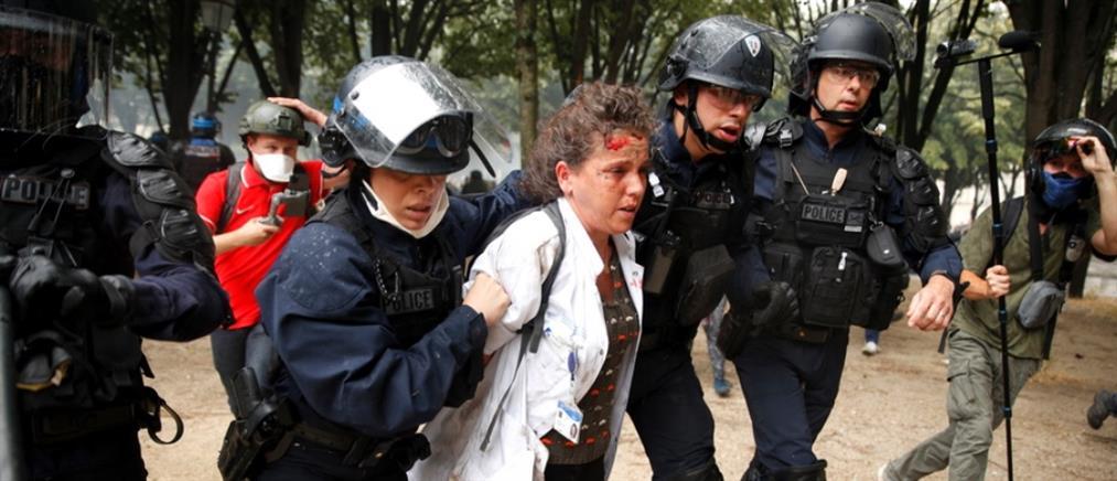 """Επεισόδια στο Παρίσι: Μάτωσαν οι """"ήρωες με τις λευκές ποδιές"""" (εικόνες)"""