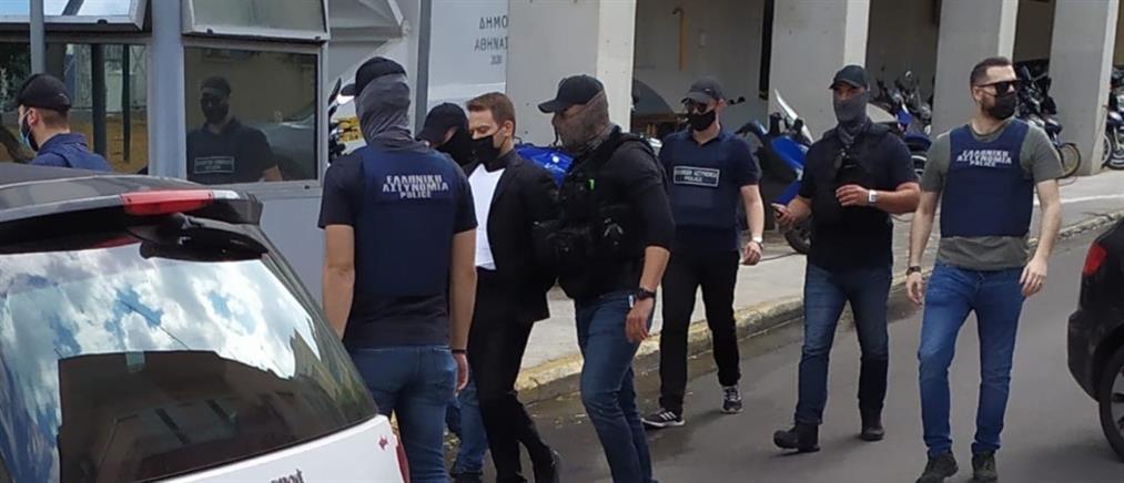 Δολοφονία στα Γλυκά Νερά: Στον εισαγγελέα ο Μπάμπης Αναγνωστόπουλος (εικόνες)