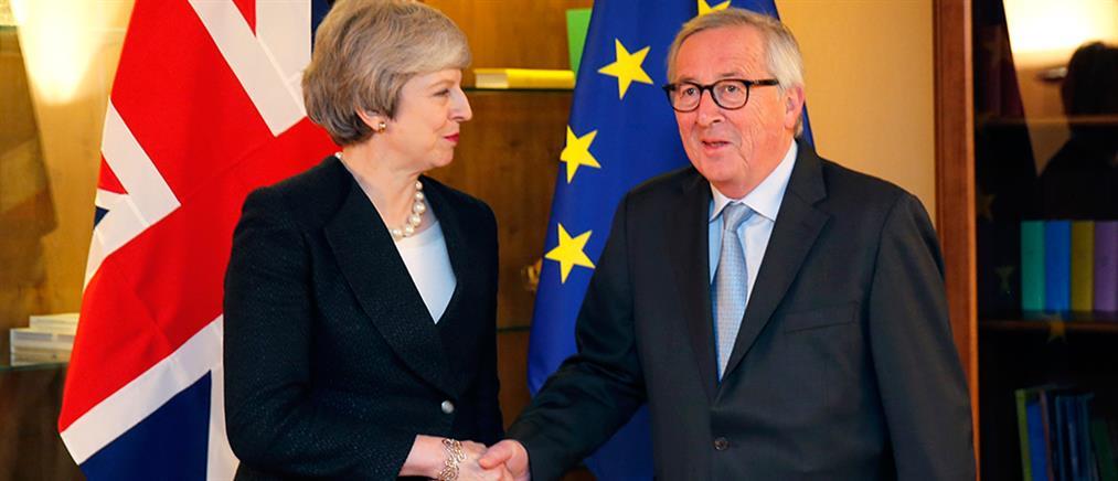 """""""Καμπανάκι"""" Γιούνκερ για Brexit χωρίς συμφωνία"""
