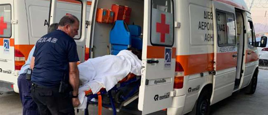 Ελληνίδα τραγουδίστρια κατέρρευσε μέσα στο αεροπλάνο (εικόνες)
