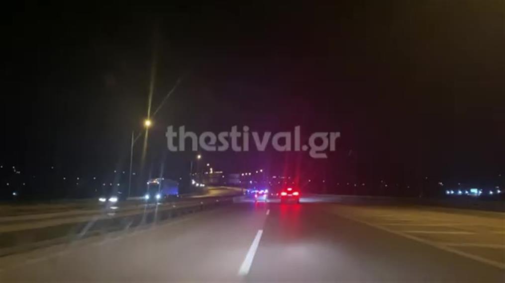 Θεσσαλονίκη: Καταδίωξη αυτοκινήτου στην κάμερα
