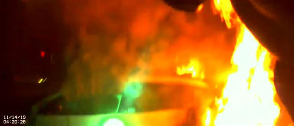 Δραματική διάσωση γυναίκας από φλεγόμενο όχημα (βίντεο)