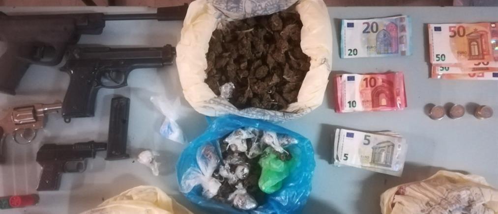 """Σύλληψη για """"μίνι μάρκετ"""" με ναρκωτικά (εικόνες)"""