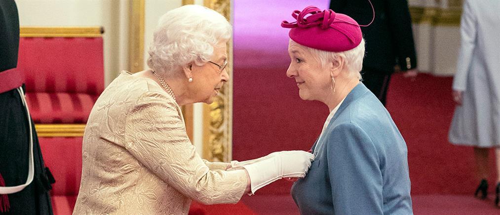 Κορονοϊός: Η Βασίλισσα Ελισάβετ φοβάται και παίρνει μέτρα (εικόνες)