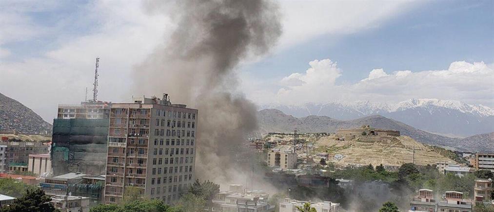 Διαδοχικές εκρήξεις βομβών στην Καμπούλ