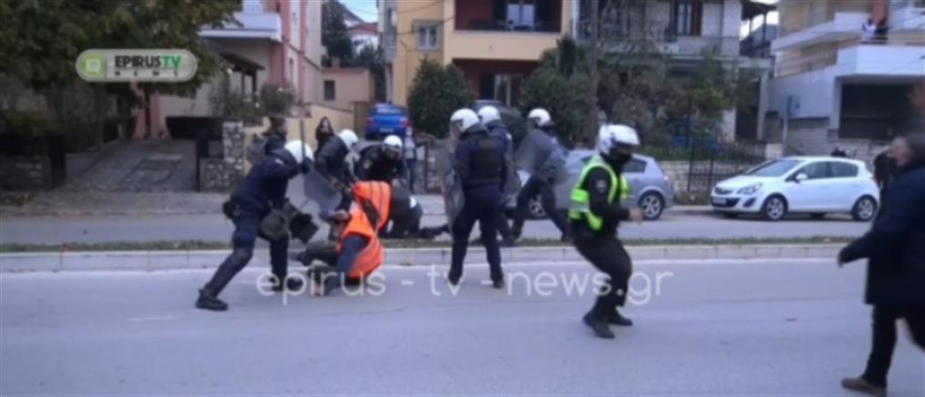 Πολυτεχνείο: Επεισόδια και τραυματισμοί στα Γιάννενα (βίντεο)