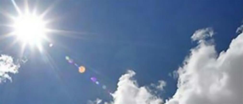 Καιρός: νοτιάδες, ζέστη και αραιές νεφώσεις την Παρασκευή