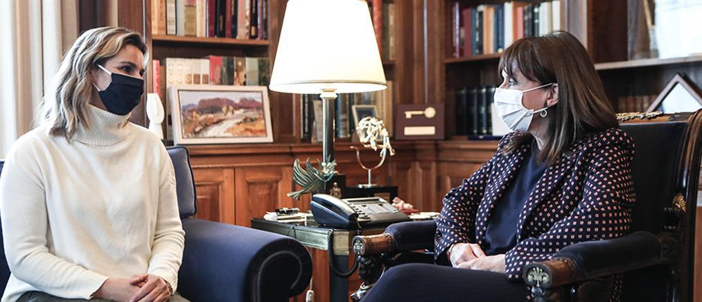Σακελλαροπούλου: Στο πρόσωπο της Σοφίας συνάντησα όλες τις γυναίκες που κακοποιήθηκαν