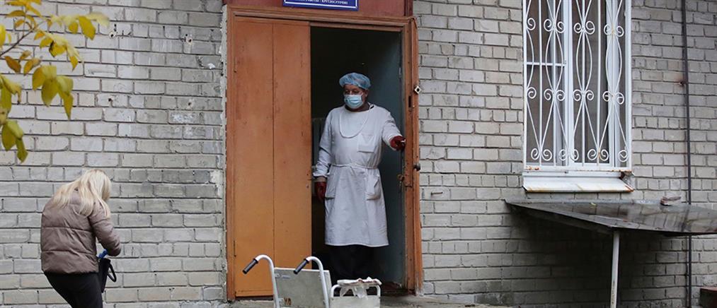 """Κορονοϊός – Ουκρανία: """"καλπάζει"""" η πανδημία"""