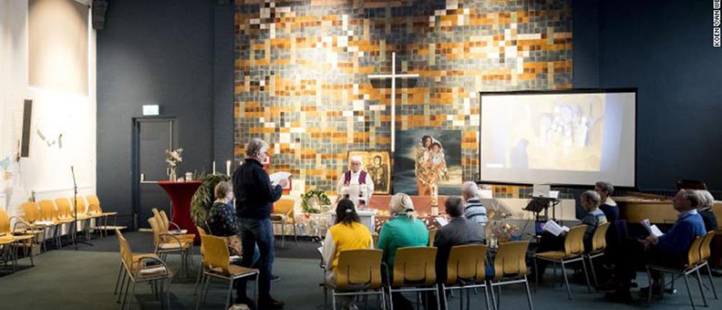 Εκκλησία κάνει δύο μήνες συνεχόμενη λειτουργία για να μην απελαθούν μετανάστες (βίντεο)
