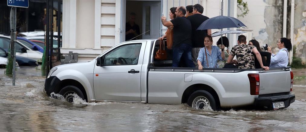 Παραμένουν τα προβλήματα από την κακοκαιρία στη Θεσσαλονίκη