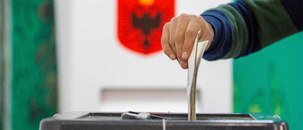 """Εκλογές στην Αλβανία: Τι """"λένε"""" τα exit polls"""
