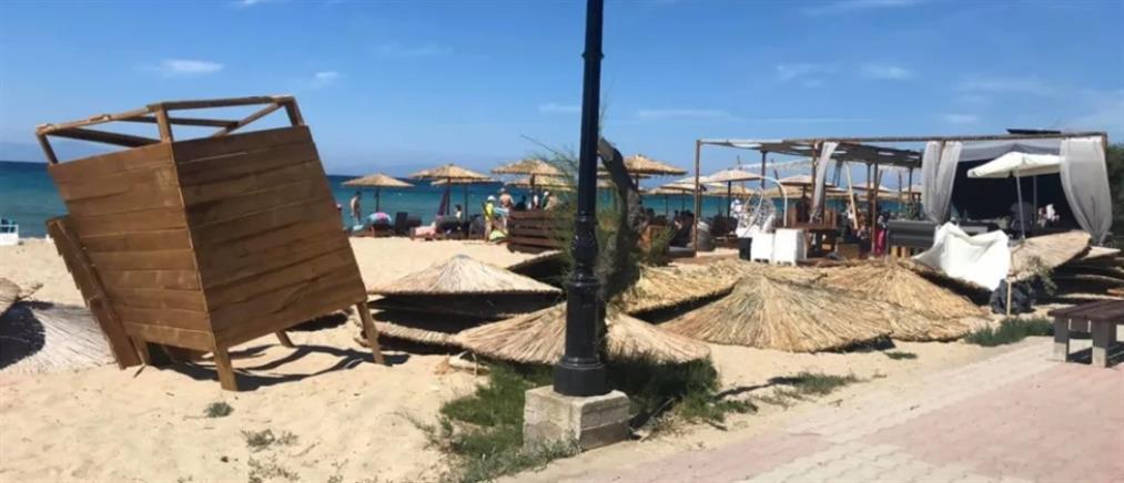 """Χαλκιδική: Ανεμοστρόβιλος """"χτύπησε"""" παραλία (εικόνες)"""