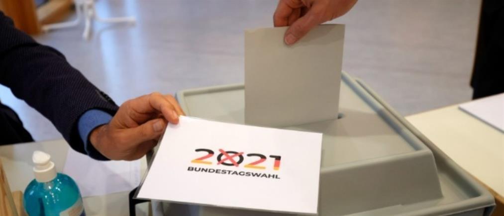"""Εκλογές στη Γερμανία: """"Θρίλερ"""" δείχνουν τα exit poll - Ισοπαλία στο 25%"""