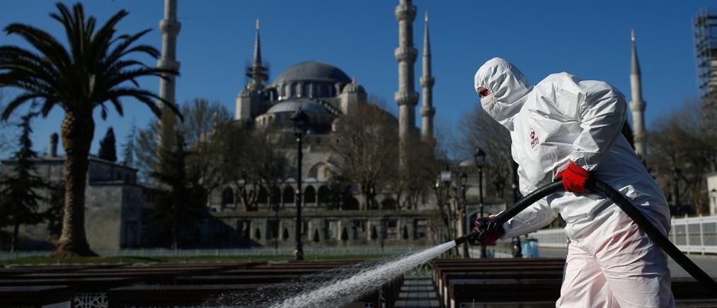 Κορονοϊός: σε εθελοντική καραντίνα θέτει την Τουρκία ο Ερντογάν