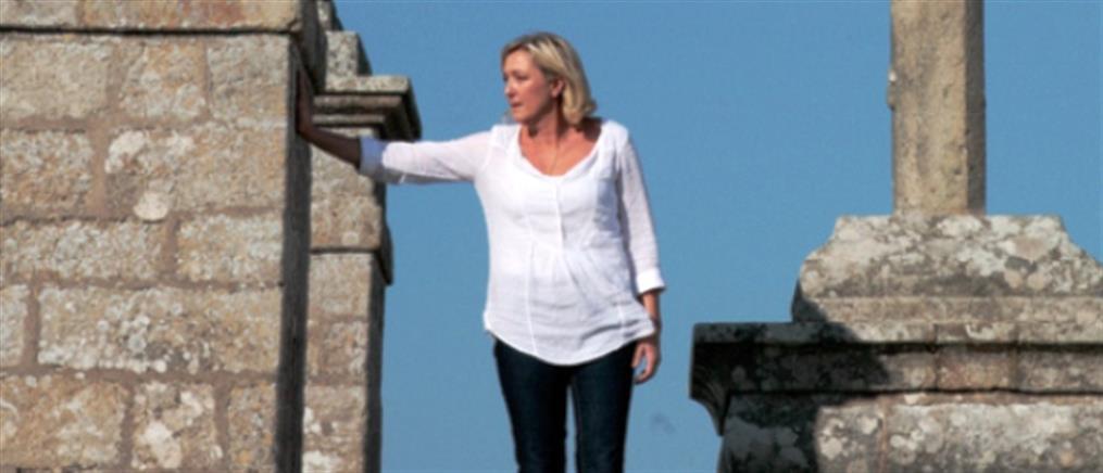 Επιχαίρει η ακροδεξιά Μαρίν Λεπέν για τις πρόωρες εκλογές στην Ελλάδα