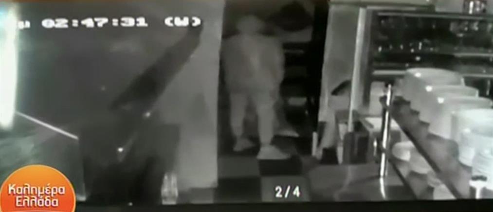 """Βίντεο - ντοκουμέντο από τη Λέσβο: μόλις έκλεισε το κατάστημα το """"έγδυσαν"""""""