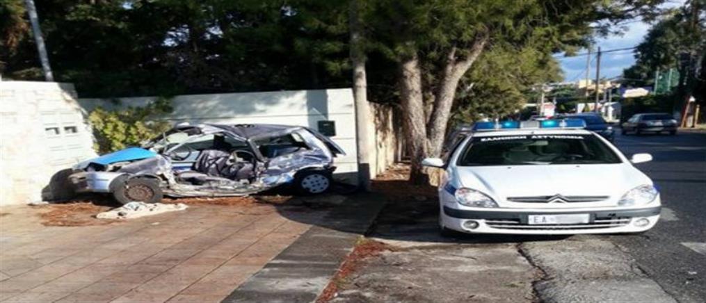 """Λεωφορείο """"διέλυσε"""" αυτοκίνητο στο Πόρτο Ράφτη"""