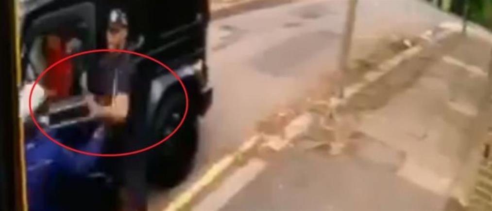 Επίθεση με μαχαίρι στον Οζίλ - Τον έσωσε ο Κολάσινατς (βίντεο ντοκουμέντο)