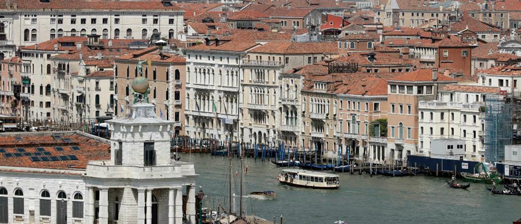 Οικολόγοι κρούουν τον κώδωνα του κινδύνου για την Βενετία