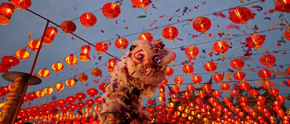 Την Πρωτοχρονιά τους γιόρτασαν οι Κινέζοι (βίντεο)