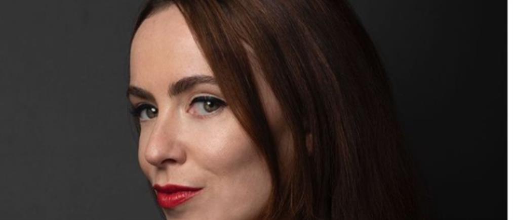 Η 'Ειμι Μάνσον στον ρόλο της Αν Μπολέιν στην ταινία για τη ζωή της Νταϊάνα
