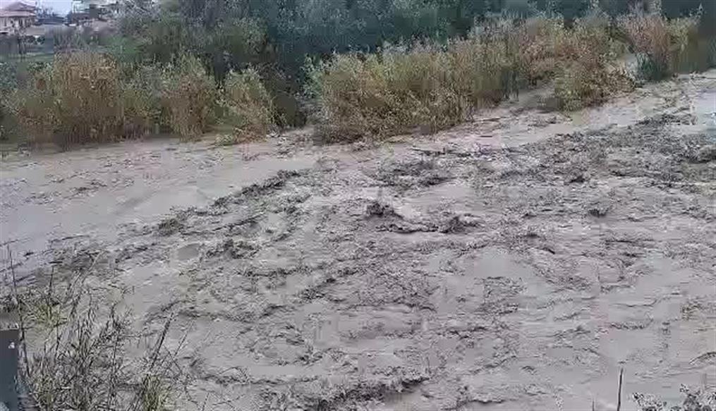 Αγρίνιο: Μεγάλα προβλήματα από τις έντονες βροχοπτώσεις