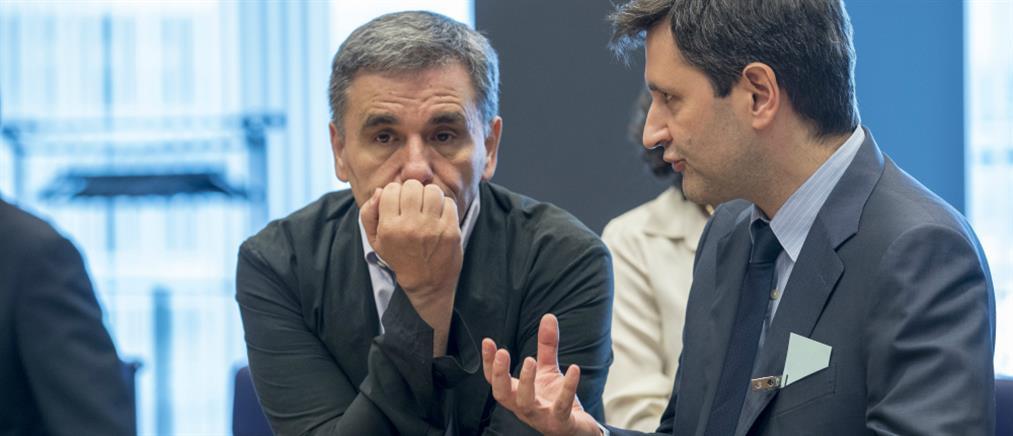 Δυσφορία στην Κομισιόν προκαλούν οι προσλήψεις συμβασιούχων στο Δημόσιο