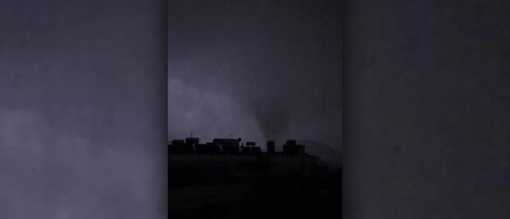Νέο Ηράκλειο: Συγκλονιστικό βίντεο από το χτύπημα του ανεμοστρόβιλου