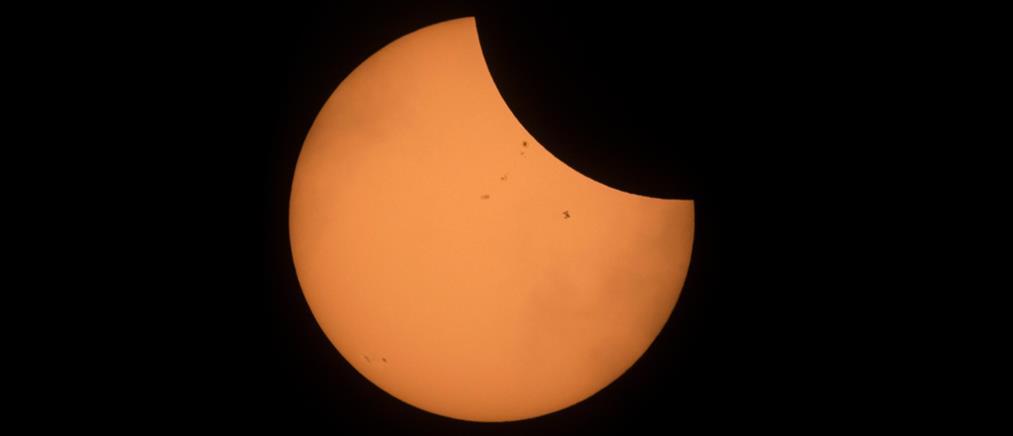 """""""Τρέλα"""" στην Αμερική για την ολική έκλειψη ηλίου"""